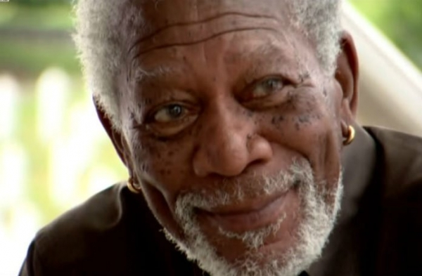 Morgan Freeman zaplakao u Potočarima (VIDEO)